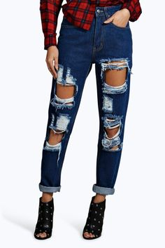 Maisie 70 s High Rise Distressed Mom Jeans  ffa0334fbfc