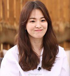 Song Hye Kyo Style, Korean Haircut, Wallpaper Iphone Love, Instagram Names, Song Joong Ki, K Idol, Korean Actresses, Up Girl, Korean Drama