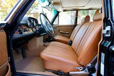 1972 Mercedes 300SEL With over 10 years in restoring and selling classic Mercedes, Palm Beach Classics willprovide you with the highest services quality.