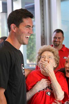 Georgia quarterback Aaron Murray surprises, thrills 96-year-old Bulldogs fan (Allie Jackson/Athens Banner-Herald) #sports #football #awww
