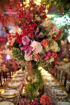 So beautiful! orlandoweddingflowers/ www.weddingsbycarlyanes.com