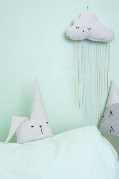 """Fabelab -Duvet Covers for Kids and Much More - Petit & Small """"This time they… Apple Garland, Homemade Baby Gifts, Unicorn Pillow, Deco Kids, Idee Diy, Diy Pillows, Cushions, Textiles, Kid Spaces"""
