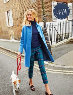 plaid pants, sweater, coat, and dog in tow. Foto Fashion, Fashion Mode, Fashion Outfits, Preppy Outfits, Petite Fashion, Curvy Fashion, Fashion Fashion, Fashion Tips, Fashion Trends
