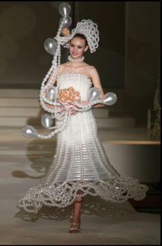 Balloon wedding dress #balloon wedding dress #balloon dress #balloon fashion #dress made out of balloons