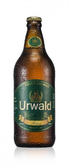 Cerveja Urwald Pilsen, estilo Premium American Lager, produzida por Cervejaria Urwald, Brasil. 4.6% ABV de álcool.
