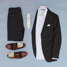 If you havent noticed already Im on a brown kick lately. This color is underestimated in my opinion. Im on a crusade to put the color into conversation at least. Casual Suit, Casual Wear, Men Casual, Mens Fashion, Fashion Outfits, Fashion Trends, Men Formal, Outfit Grid, Matching Outfits