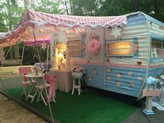 Glamping in pink and blue floral