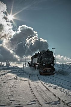 Beautiful Vintage Steam Locomotive making it's way through the snow. Train Car, Train Tracks, Train Trip, Train Pictures, Cool Pictures, Old Steam Train, Bonde, Old Trains, Train Engines