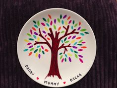 Sharpie pens + plain plate + cook for 20 mins u003d a beautiful keep sake #familytree & DIY decorative plate! Decorate white ceramic dish with Sharpies ...