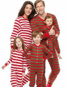 Toute la famille en pyjama! Avec des températures aussi froides que celles que nous connaissons en ce début d'année, j'avoue que ça me tente moins de mettre le nez dehors. Raison de plus pour organiser un pyjama-party en famille tout le week-end!