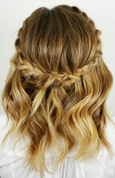 Weaving patterns that only look good in short hair hair secrets - Wedding Hairstyles Prom Hairstyles For Short Hair, Winter Hairstyles, Easy Hairstyles, Hairstyle Ideas, Everyday Hairstyles, Braided Hairstyles For Short Hair, Office Hairstyles, Hairstyles Pictures, School Hairstyles