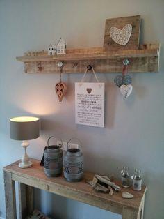 steigerhout plank aan muur - google zoeken | steigerhout ideeen, Deco ideeën