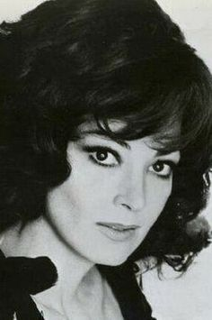 Remember when opera singers weren't artificially sexy, they just were?  Yeah... Anna Moffo had that down.