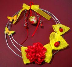 By hand MK. (my own creations) Δια χειρός Μ.Κ. (δίκες μου δημιουργίες).  Το στεφάνη είναι φτιαγμένο από γαλβάνιζε σύρμα