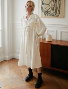 Romantic off white oversize midi shirt dress with balloon sleeves and detachable ruffled tie bustier top Midi Shirt Dress, I Dress, Bustier Top, White Aesthetic, Street Style Women, Cute Dresses, New Fashion, Model, How To Wear