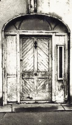 Donaghadee- The Parade #37- Station Master's House- doorway (c. late 18th century) (photo c. 1972)- 001 | Flickr: partage de photos!