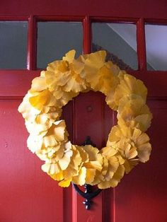 Gather ginkgo leaves to create a plush wreath.