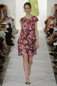 Oscar de la Renta RTW Spring 2014 // Learn how to hand render a floral print http://www.universityoffashion.com/lessons/rendering-floral-print/