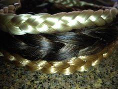 cintillos de pelo, el rubio platino y el rubio dorado son sintéticos, el rubio oscuro es de cabello natural..... el de pelo natural lo he teñido 3 veces y nunca se ha dañado.. es mejor invertir en uno de cabello natural