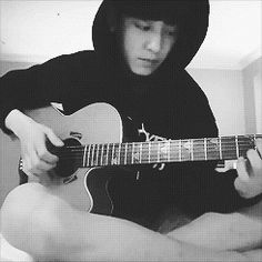 I love that Chanyeol is lead rapper for EXO, and a vocalist, but that he can play many instruments as well. Kpop Exo, Exo K, Chanbaek, Chansoo, Wattpad, K Pop, Chanyeol Baekhyun, Sing To Me, Exo Members