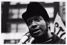 Crimes of the US (@CrimesofUS) | Twitter 4th Dec 1969: Black Panther Fred Hampton was assassinated by the police in Chicago. #LivingInThe1960s