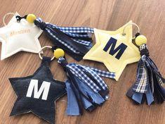 Llaveros mochilas, llaveros personalizados, detalles invitados Baby Shower, Harry Potter, Diy, Tela, Tejido, Personalized Gifts, Color Games, Babyshower, Bricolage