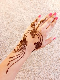 This article is also about Latest Hand Mehndi Designs 2018 for Girls and here you will find some of Latest Mehndi Designs 2018 that will make your heart. Finger Henna Designs, Mehndi Designs 2018, Modern Mehndi Designs, Bridal Henna Designs, Mehndi Design Photos, Beautiful Mehndi Design, Mehndi Designs For Hands, Henna Inspired Tattoos, Latest Henna Designs