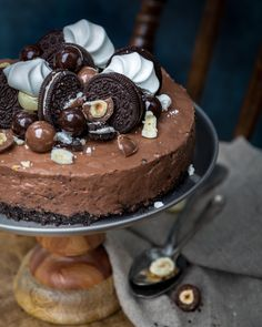 Suklaajuustokakku | Mari Moilanen Oreo Cheesecake, Chocolate Cheesecake, Chocolate Cake, Prop Styling, Cake Art, Cheesecakes, Nutella, Food Photography, Goodies