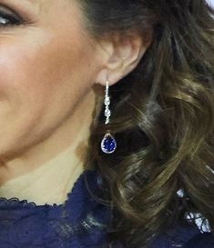 The King and Queen of Spain attended a commemorative concert this evening for the anniversary of the Spanish Constitution. Queen Letizia wore a plunging navy cocktail dress. Royal Jewelry, Jewellery, Navy Cocktail Dress, Princess Of Spain, Queen Letizia, Royal Style, 40th Anniversary, Royal Fashion, Bespoke
