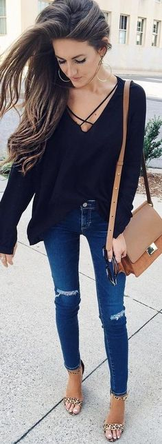 #summer #preppy #outfits | Black Top + Jeans