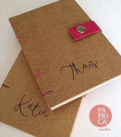 Livros Kraft + Cor Personalizados, do studio Páprica