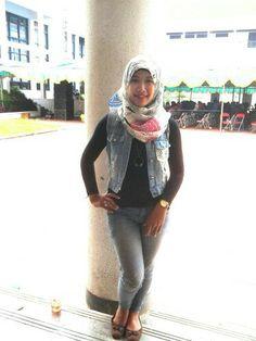 Rock 'n roll hijab...