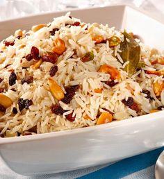 Ensalada de arroz con piñones y pasas