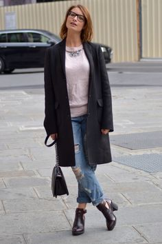 """That Black Coat"" #fashionblogger #fbloggers #coat #blackcoat @uniqlo / #sweater @Primark / #boyfriendjeans #boyfriend @asos / #boots #cutoutboots #zara"