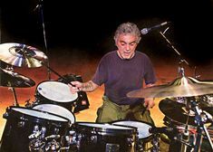 Steve Gadd - Masterdrummer - Drummerworld Gallery: Bio, Sounds, Videos, Pictures - this is page II Peter Erskine, Tony Levin, Chuck Mangione, Steve Gadd, George Young, Mike Holmes, Chick Corea, Studio Musicians, Dizzy Gillespie