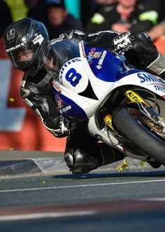 Guy Martin gets his knee down at the Isle of Man TT moto road race. Biker Accessories, Guy Martin, Ride 2, Indy Cars, Isle Of Man, Big Guys, Super Bikes, Road Racing, Bike Life
