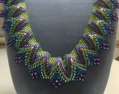 seed bead necklace patterns for beginners Beaded Necklace Patterns, Seed Bead Patterns, Jewelry Patterns, Beading Patterns, Seed Bead Bracelets Tutorials, Beaded Bracelets Tutorial, Beading Tutorials, Beads Tutorial, Peyote Stitch Tutorial