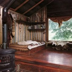 Cozy Wooden Cabin Bedroom Design Idea For Summer Holiday 2018 Style At Home, Ideas De Cabina, Bedroom Vintage, Wooden Bedroom, Cabins In The Woods, Dream Bedroom, Hippy Bedroom, Serene Bedroom, Comfy Bedroom