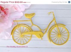 LABOR DAY SALE Bicycle Wall Art / Yellow Wall por Theshabbyshak