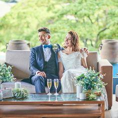 開放感あふれる大きな窓に、豊かな緑と空の美景が広がるパーティー会場。千葉県・千葉みなとの結婚式場「ザ・ミーツ マリーナテラス」のバンケット「CASA PLUMERIA(カーサ・プルメリア)」をご案内いたします。