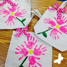 Toddler crafts, mother's day activities, dia do pai, preschool mothers Kids Crafts, Diy Mother's Day Crafts, Mothers Day Crafts For Kids, Diy Mothers Day Gifts, Daycare Crafts, Fathers Day Crafts, Mother's Day Diy, Toddler Crafts, Holiday Crafts