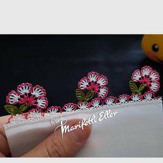 Fotoğraf açıklaması yok. Dark Wallpaper, Bobbin Lace, Tatting, Needlework, Diy And Crafts, Elsa, Embroidery, Instagram, Mexican Fabric