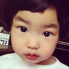 Little Haru ^_^ Superman Cast, Superman Kids, Lee Haru, Korean Tv Shows, Korean Babies, Reality Tv Shows, Wedding Pins, Cute Faces, Future Baby