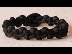 Beginners Paracord How To Make The Zig Zag Braid Paracord Survival Bracelet - YouTube
