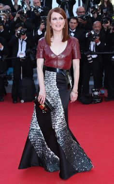 Julianne Moore turns heads in this sophisticated Louis Vuitton custom creation accessorized with Chopard jewels.