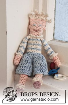 "The crochet dolls ""Peter"" and ""Pernille"" Free pattern by DROPS Design."