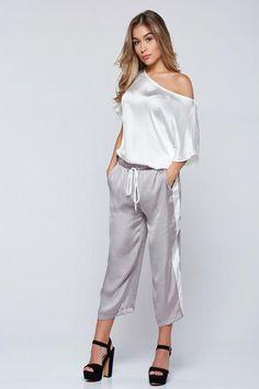Pantaloni PrettyGirl gri casual 3/4 cu buzunare - http://hainesic.ro/pantaloni/pantaloni-prettygirl-gri-casual-34-cu-buzunare-f50f9044c-starshinersro/