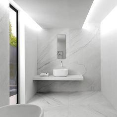 The new XLight large format porcelain tiles are perfect for use in the kitchen & bathroom. #design #tiles #bathroom #kitchen #marble #interiordesign @Porcelanosa_EN Read all about it here!