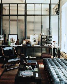 rustic masculine home decor | Salon industriel (2)