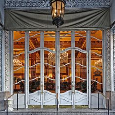 """Le Pavillon, New Orleans 